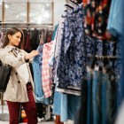 austrian-business-womanshopping-01creditshutterstock